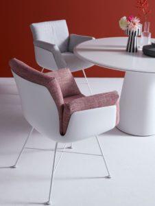 Design eetkamerstoel met uitneembare, wasbare kussen.